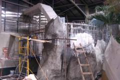 Пещера из искусственного камня