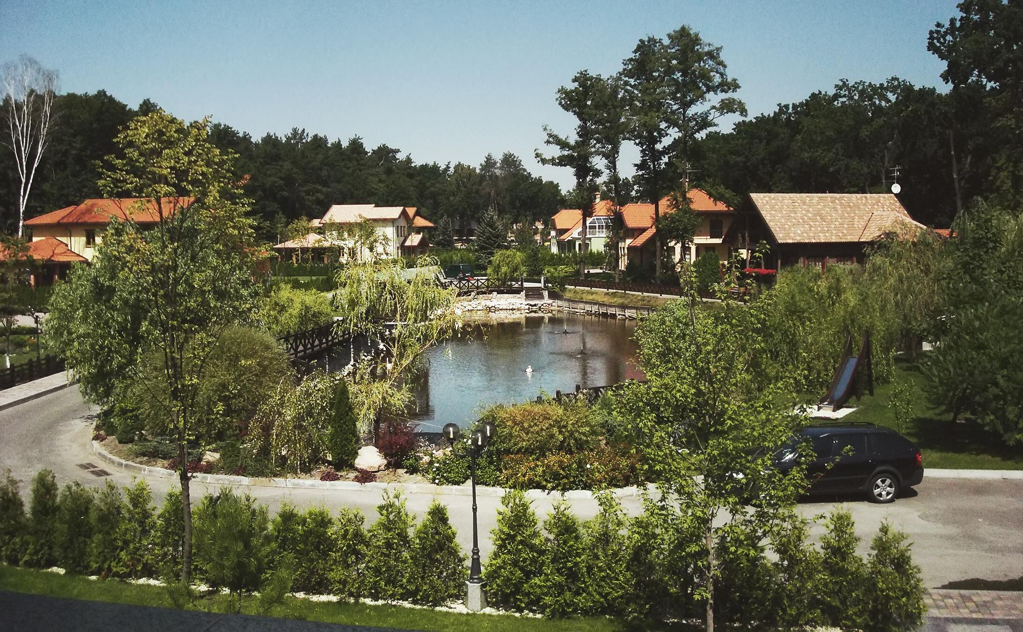 Озеро в коттеджном городке Bosco DEX12