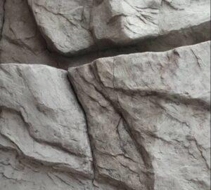 На фото пример нашей объемной скалы в квартире